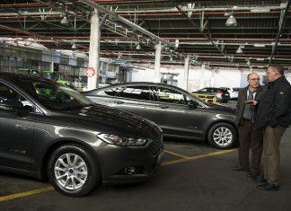 nuevos coches hibridos parque movil diputacio foto